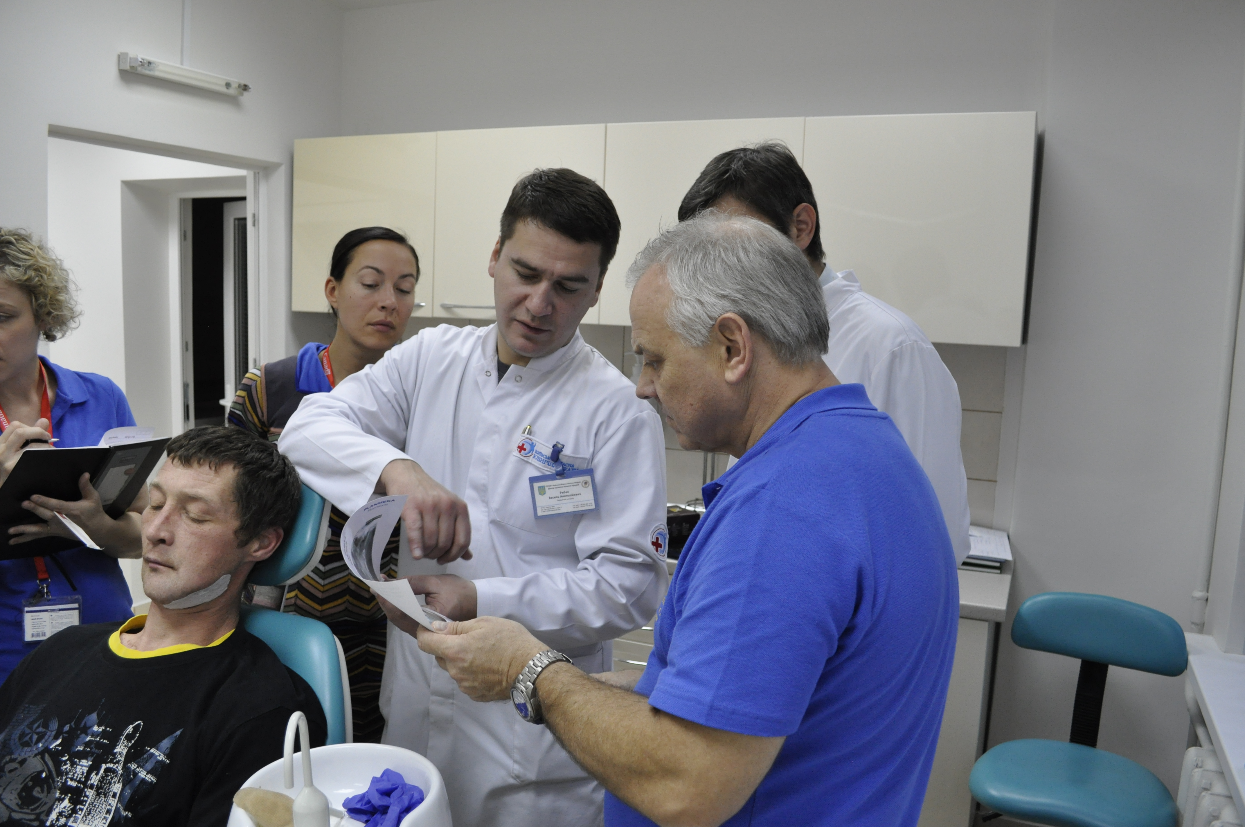 Делимся опытом с канадскими хирургами. Высоко оценена работа и качество выполнения оперативных вмешательств.